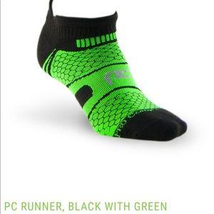 NWOT Pro Compression PC Runner Socks